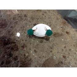orecchini pietra cristallo verde smeraldo nudo pomellato attacco chiusura gancio monachella oro argento dorato gioiello gioielli artigianali artigiana orafa pietre cristalli verdi smeraldi attacchi ganci chiusure dorate dorati