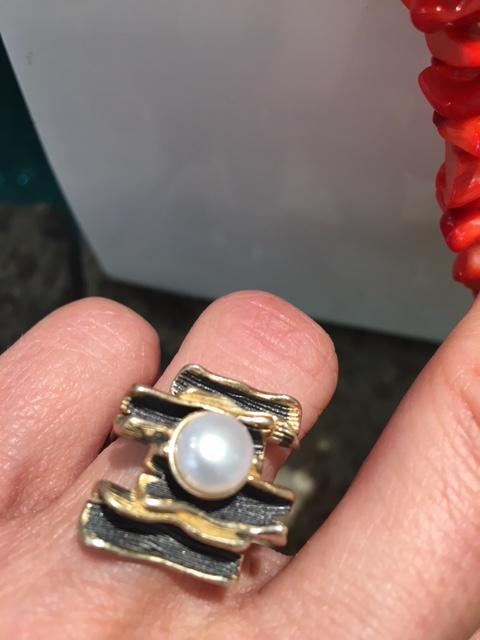 anello perla scaramazza acqua dolce pietra oro argento rodiato dorato gioiello etrusco artigianale anelli perle scaramazze pietre gioielli artigianali artigiana orafa gold silver handmade made in italy pinkiss juelery juels